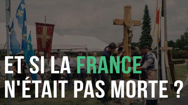Et si la France n'était pas morte ? [Béhourd, chant et pose de croix]